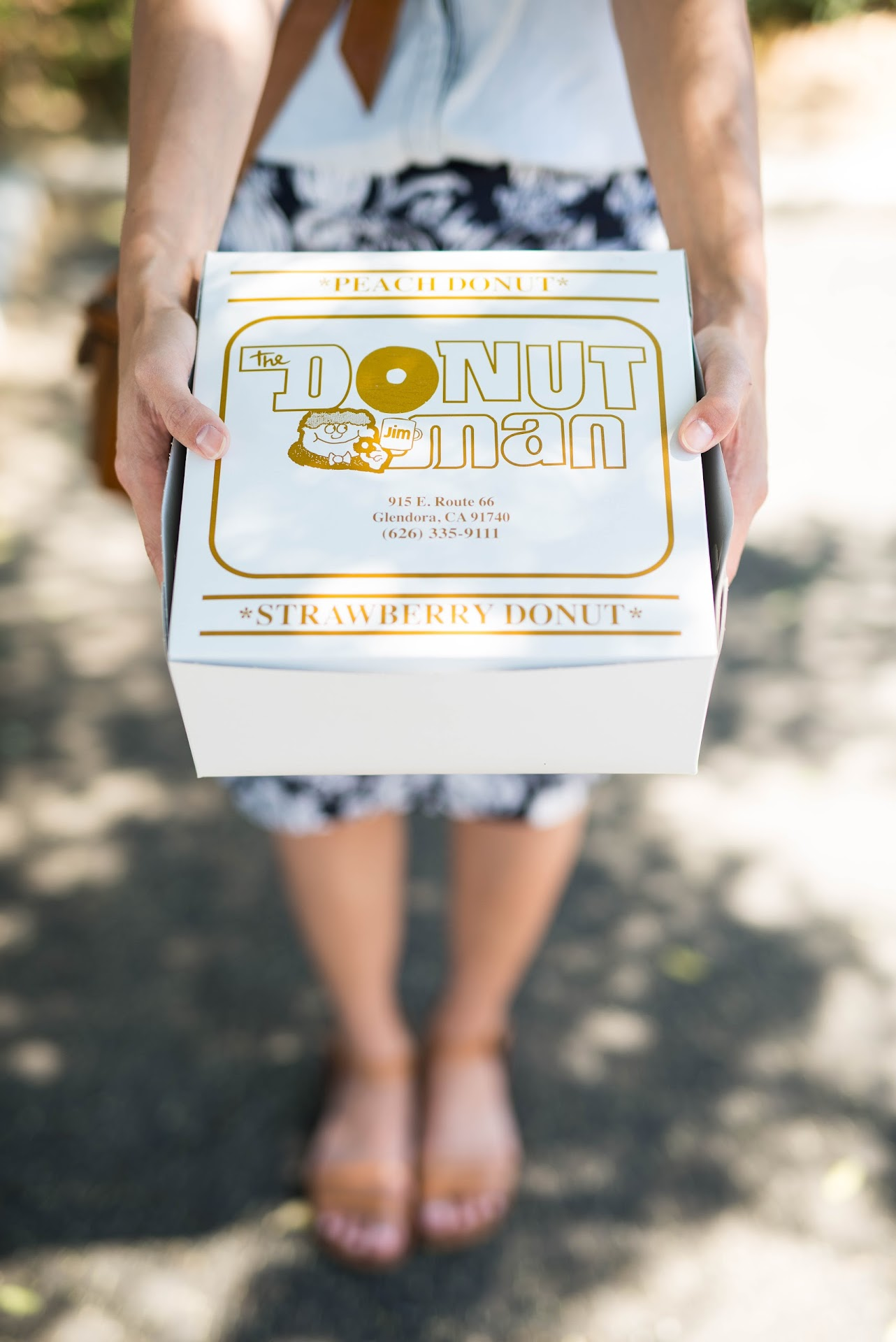 the donut man glendora, california, most famous donuts, doughnuts, review, food blogger, mormon lds, california, bay area, san francisco