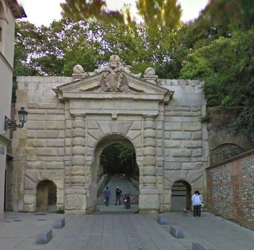 Caminando Por Granada Las Puertas De La Ciudad De Granada