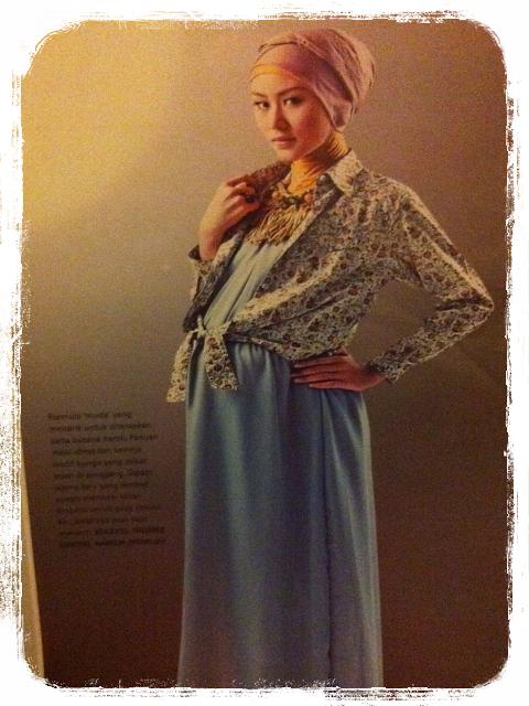 Gambar model baju hamil trendy stylis