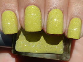 Rescue Beauty Lounge - Cue the Montage with top coat