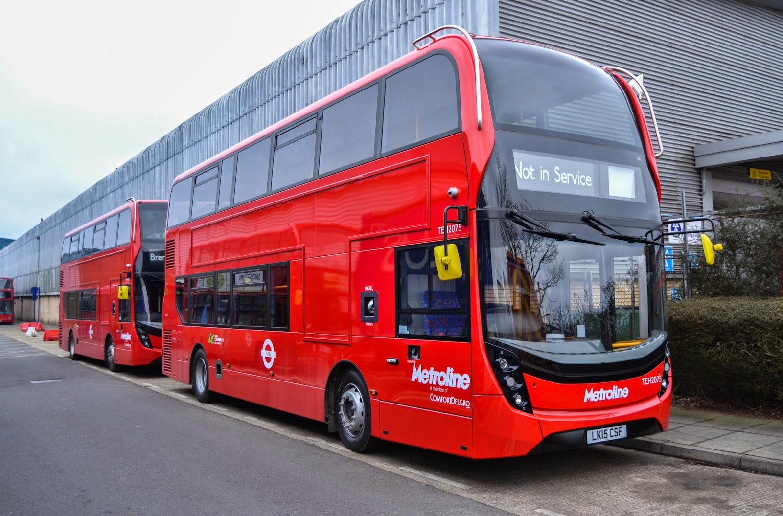 the circle of london : metroline celf centre part 47new mmcs for