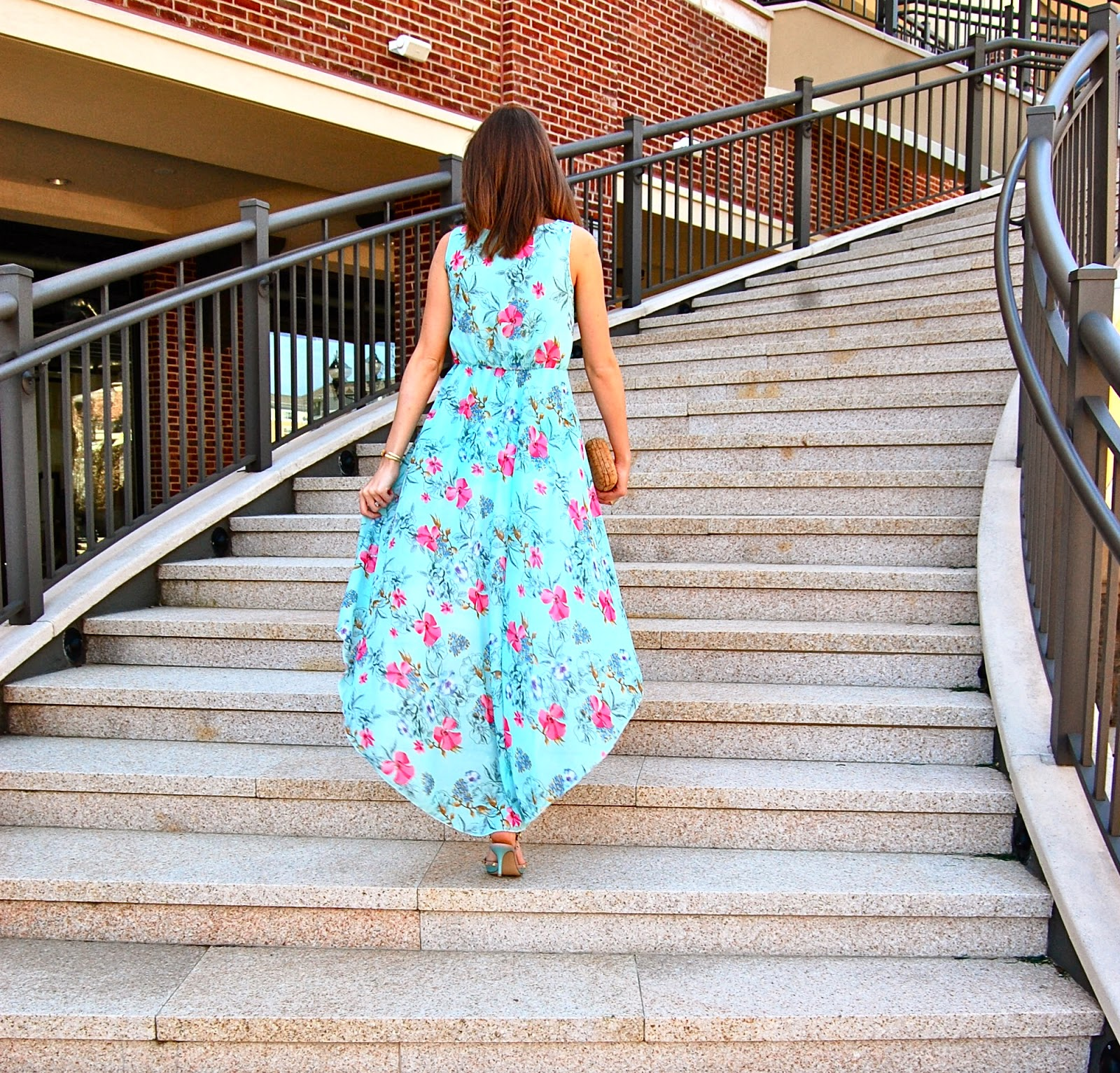 Floral Dress, Persun Mall, Blue Valentino Rockstuds, Cork Clutch, Flowy Dress