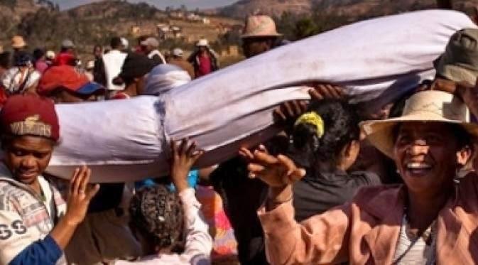 5 Ritual Kematian Paling Mengerikan Di Dunia