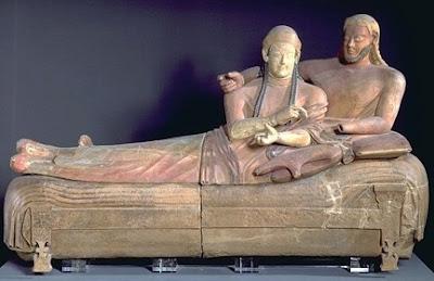 Escultura Etrusca - Centauro Vulci  y Sarcófago de Cerveteri,