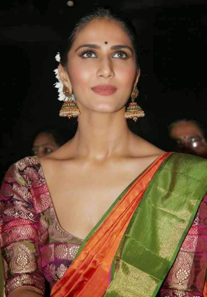 vaani kapoor green saree photos