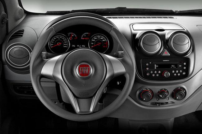 a car Fiat Palio 2014
