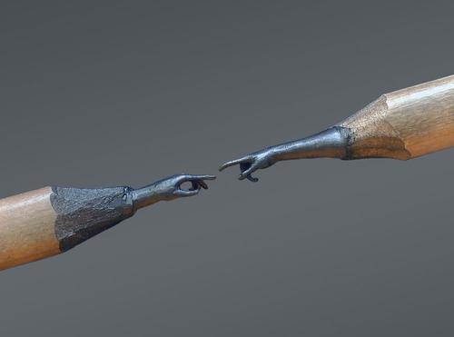 03-The-Creation-of-Adam-Jasenko-Đorđević-Miniature-Sculptures-in-Pencil-Graphite-Lead-www-designstack-co