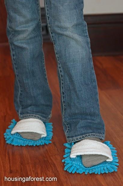 Mopit jaloissa tekee moppaamisesta ergonomisempaa