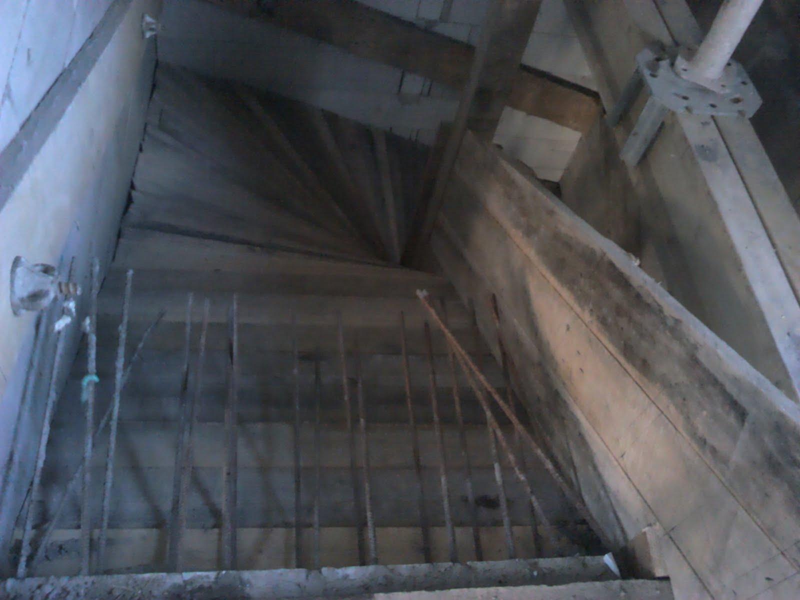 Új otthon születik: Felső lépcső zsaluzása