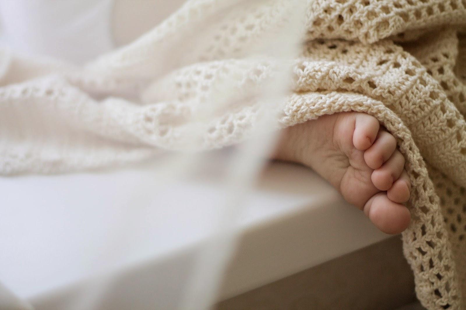 филейное вяание, котята, котята филейным вязанием, плед, плед филейны вязанием, плед для ребенка, пледик, плед на выписку, подарок новорожденному, подарок на рождение