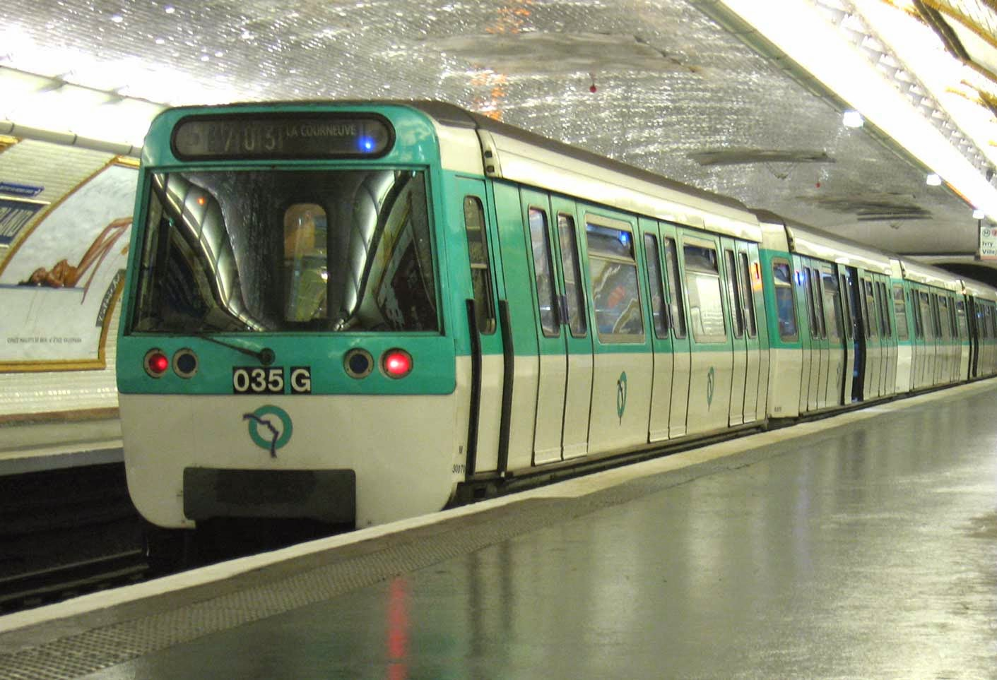 Metrô em Paris Transporte