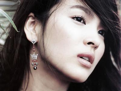 Artis Korea Tercantik 2012 - Song Hye Gyo