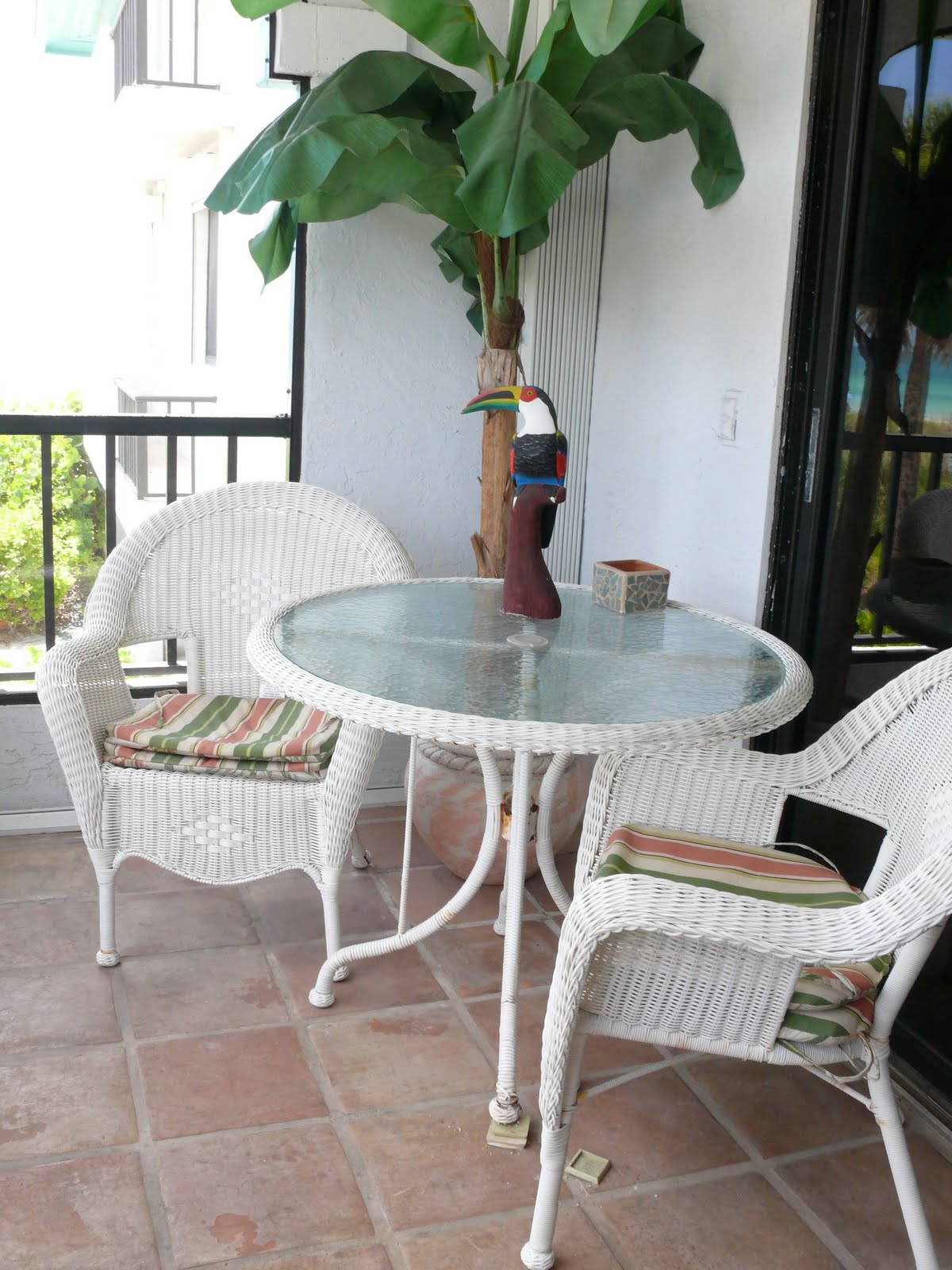 All Condo Contents Must Go Wicker Outdoor Table And 2 Chair