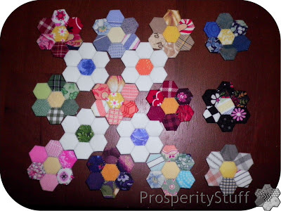 ProsperityStuff Quilts: English Paper Pieced hexagon flowers