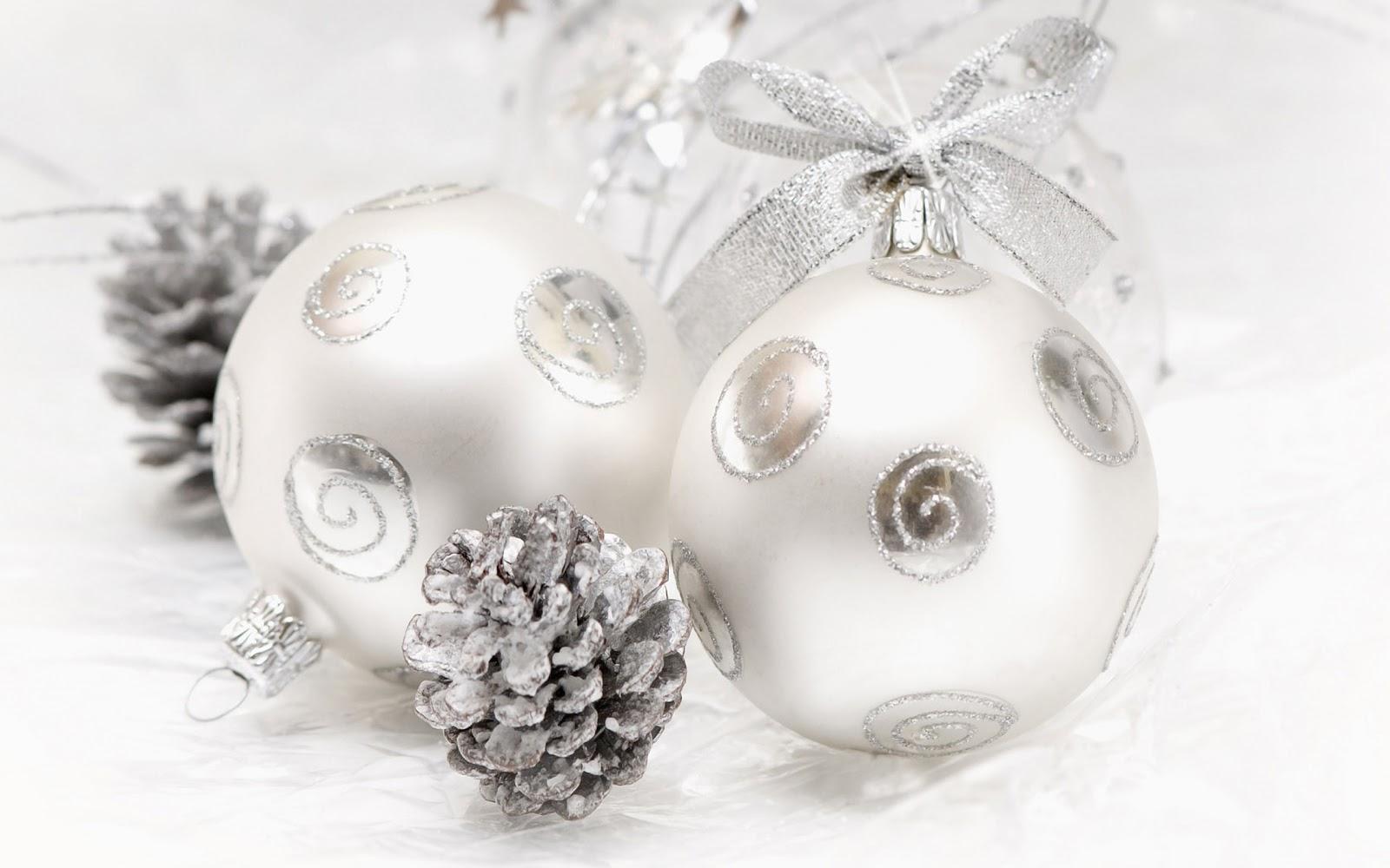 christmas landscapes wallpaper christmas balls. Black Bedroom Furniture Sets. Home Design Ideas