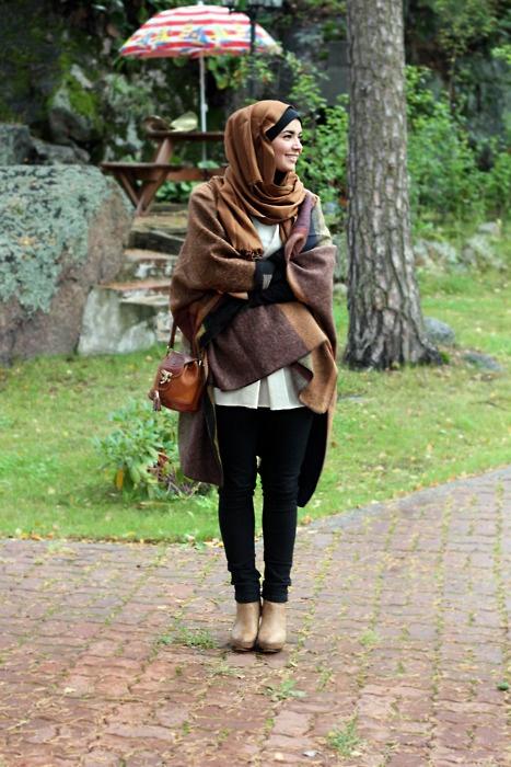 Gambar cara memakai jilbab syar'i modis