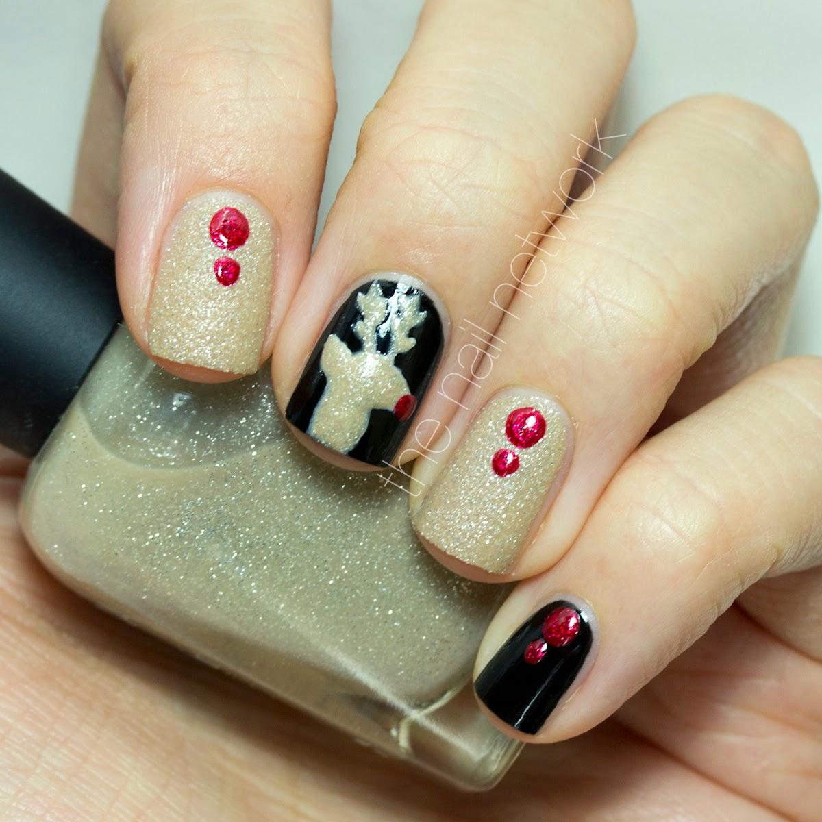 TDOCNAS 2014: Day 11: Glittery Reindeer Nail Art