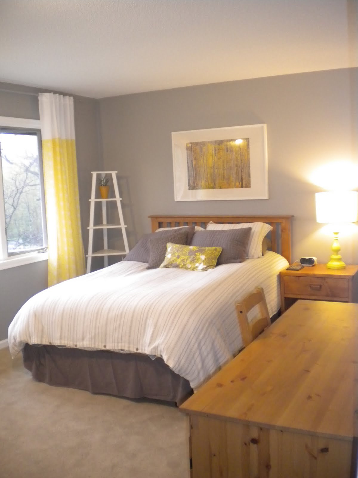 one project at a time diy blog 107 paint the master bedroom trim