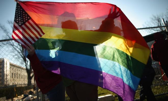 Ativistas LGBT comemoraram na semana passada em Rhode Island que se tornou o 10° estado a legalizar o casamento igualitário (Foto: Getty Images)