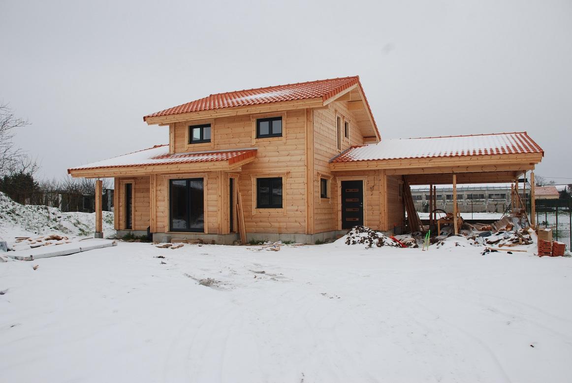 Pikku suomi construction d une maison en bois paysage for Tableau construction maison