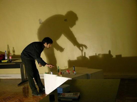 الرسم بالظل shadow-paintings7-550x412.jpg