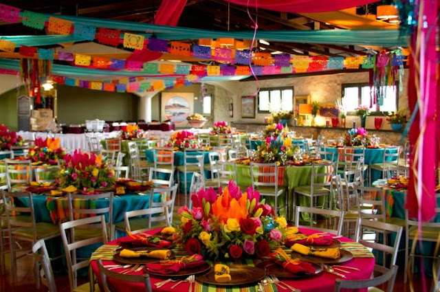 Decoracion Septiembre Mexico ~ En ambas im?genes destaca el uso de diferentes colores para cada mesa