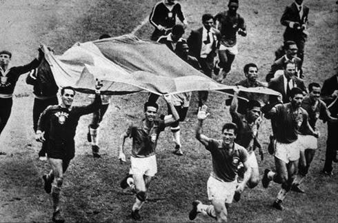 Volta olímpica jogadores brasileiros copa do mundo 1958