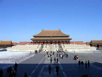 Istana Terbesar Dan Paling Luas Di Dunia