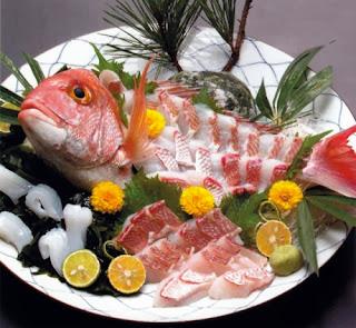 """Mau Coba Makan """"Ikizukuri"""" Ikan Hidup yang Tersiksa di Jepang?"""