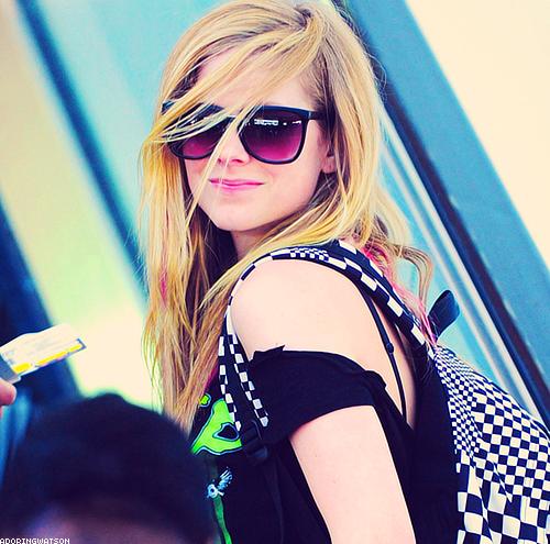 57ab76d19685 Fãns de Avril Lavigne