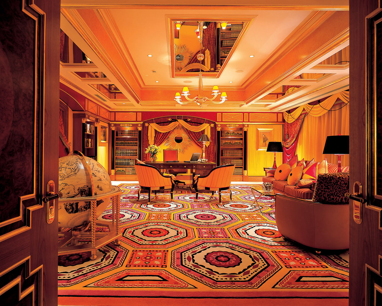 World visits burj al arab hotel in dubai suite and interior for Burj al arab suite