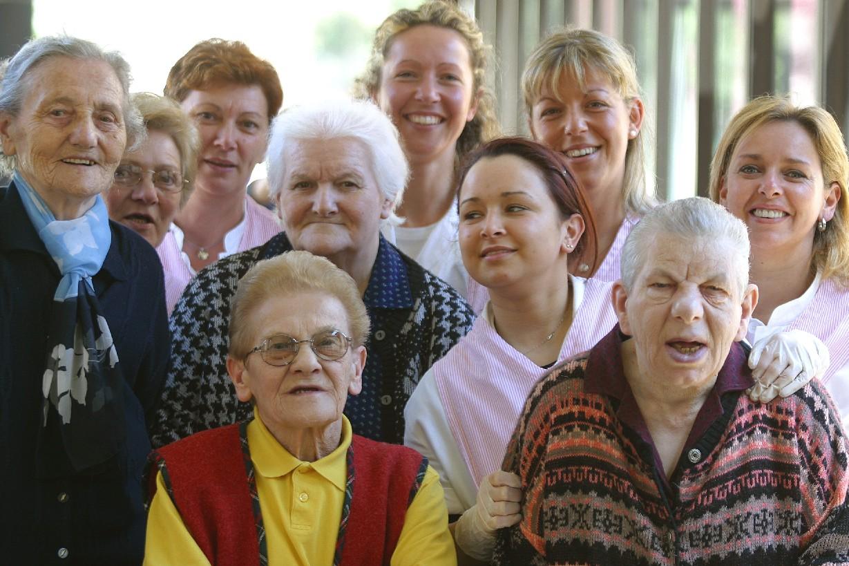 Parliamo di salute aprile 2011 for Piccoli piani di casa per gli anziani