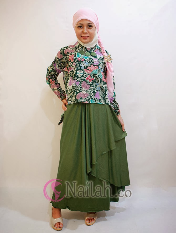 Gamis Pesta Batik dengan kombinasi bahan Glitter
