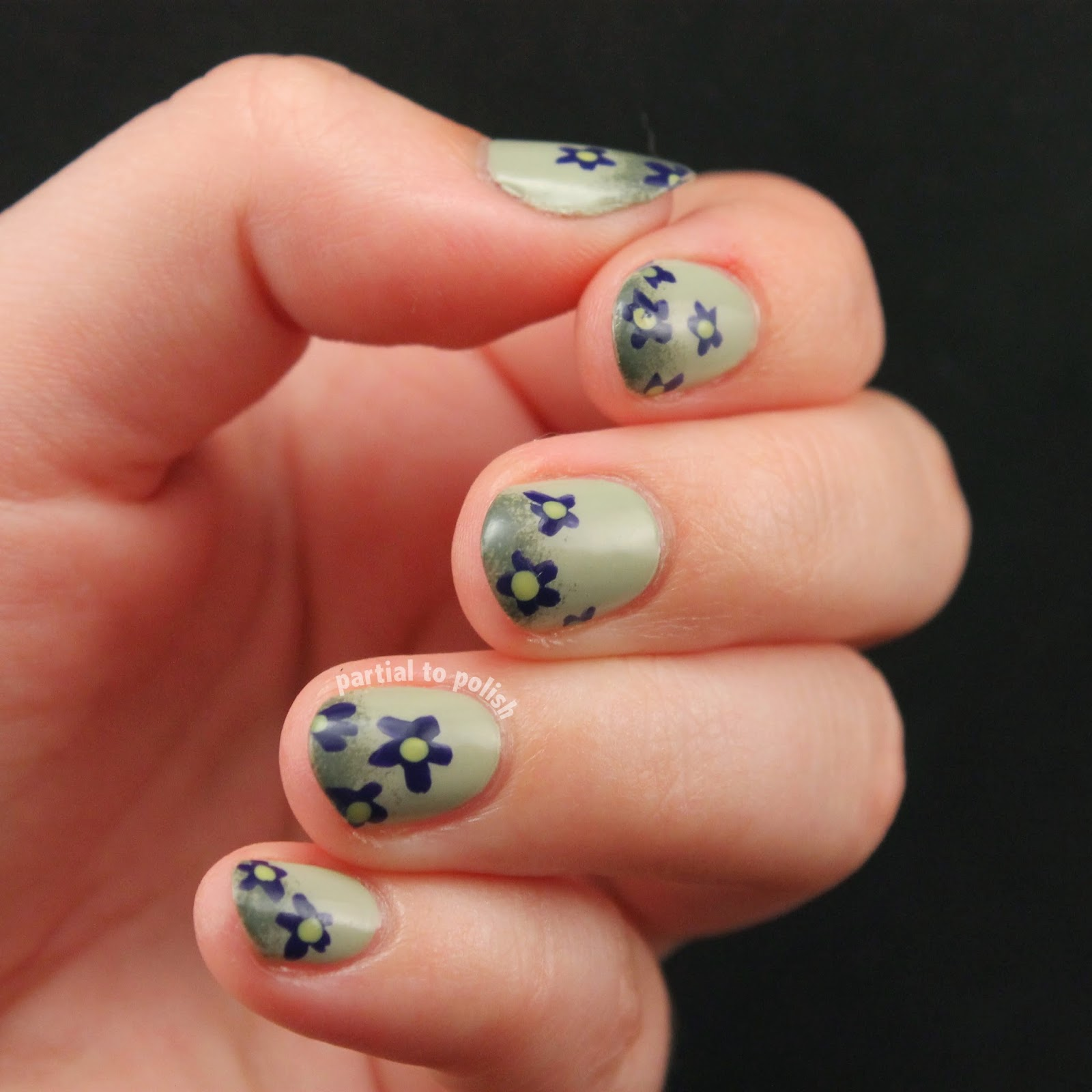 Green Floral Double Gradient Nail Art