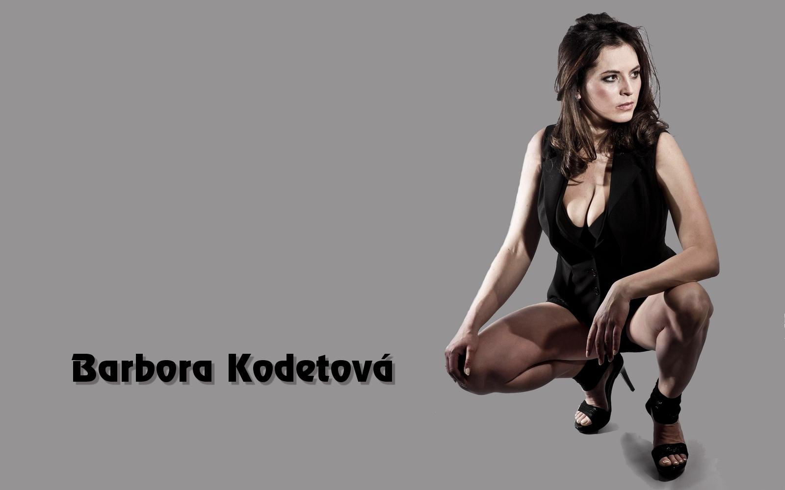 http://4.bp.blogspot.com/-meCobpoePow/UJASrrJrvII/AAAAAAAGIwY/vAf6wdSbf0g/s1600/Barbora%2BKodetova%2BWallpaper%2B06.jpg