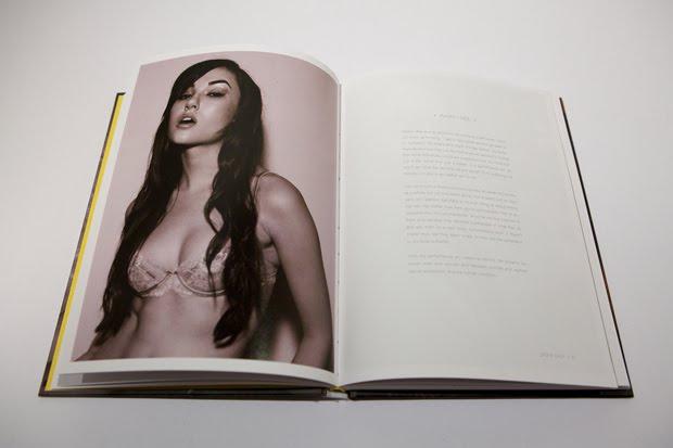 http://4.bp.blogspot.com/-meTTnieiSG4/TcE7gIrotuI/AAAAAAAAAmQ/c4aZYAjDLaU/s1600/sasha-grey-neu-sex-book-signing-martha-otero-4.jpg