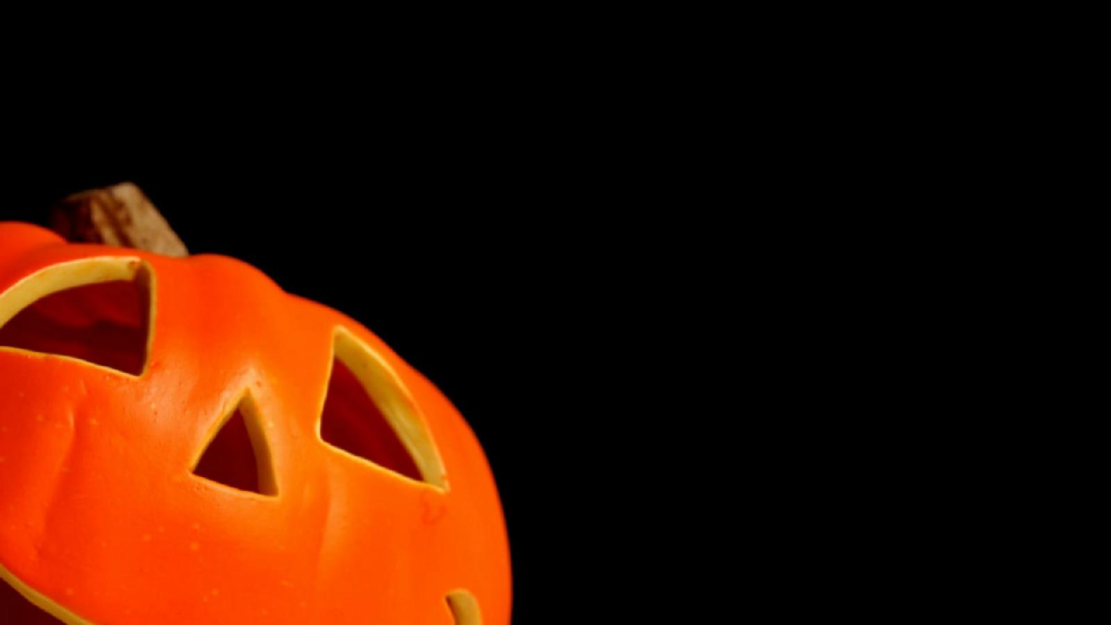 http://4.bp.blogspot.com/-meWh1MKg4Zc/UEPoHNTSS1I/AAAAAAAAKvE/2tSwUf19f5U/s1600/Halloween_98-712792.jpg