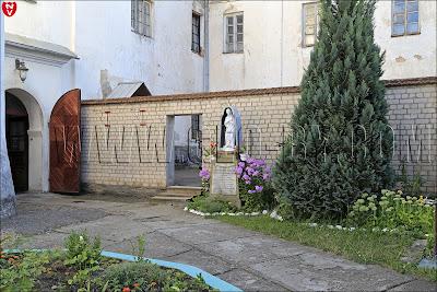 Монастырь бернардинок. Мадонна в гроте
