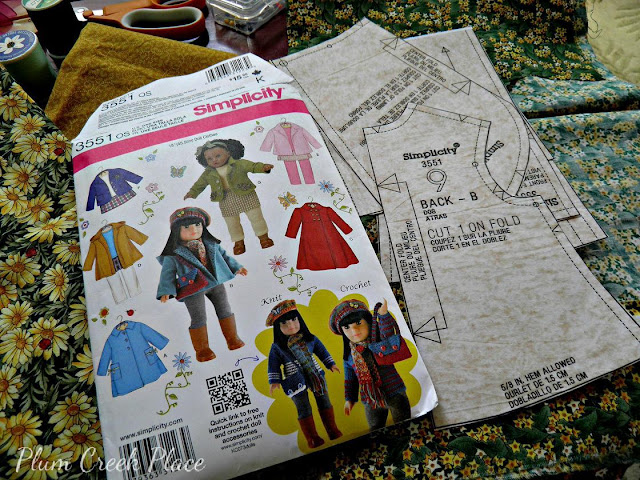 Little Jo's Doll Party - Cindy gets a new fall jacket