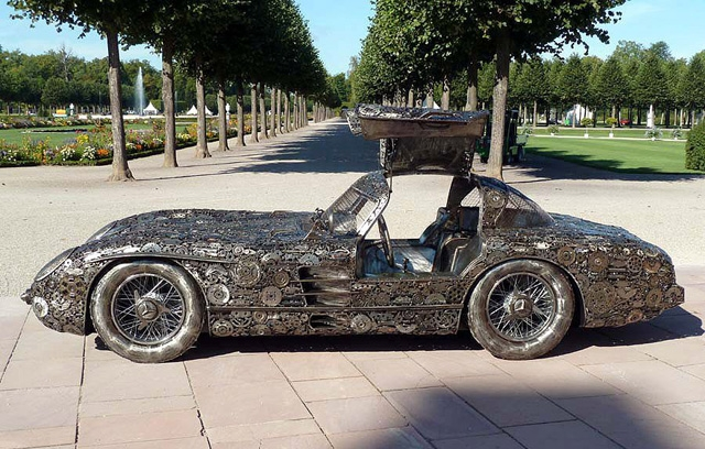 mercedes replica is made from scrap replica mercedes benz 300 sl gullwing cars mind. Black Bedroom Furniture Sets. Home Design Ideas
