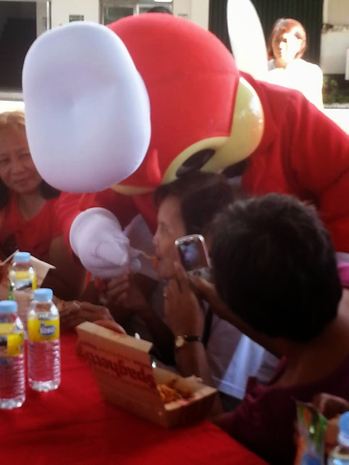 strength of jollibee Jollibee foods corporation: mcdonald's is used to reducing costs by having huge economies of scale but on new markets, such as philippines, this strength.