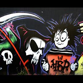 wallpaper keren lukisan graffiti di tembok