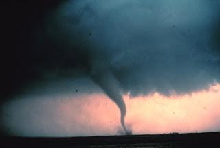 on Cullen En Madrid  Un Tornado En Calle Segre 8