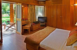 5star-hotel-accommodation-resort-luxary-india-rooms