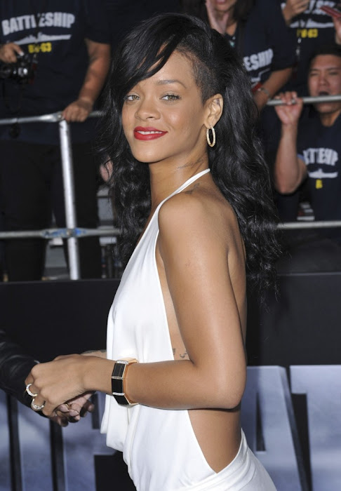 rihanna at battles premiere glamour  images