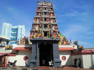 Drupadi, Hindu temple in Singapore, Sri Mariamman Temple, Chinatown Singapore, holiday in Singapore, Beautiful Hindu temple