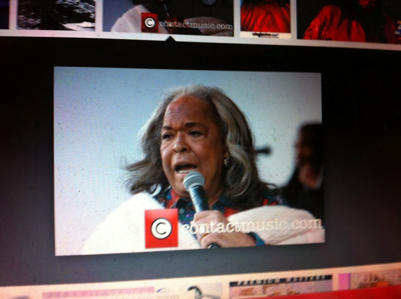 Della Reese The Bottom Of Old Smokey A Clock Thats Got No Hands