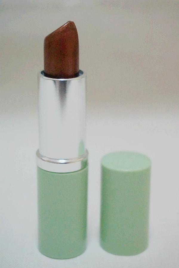 Clinique Different Lipstick in Surprise