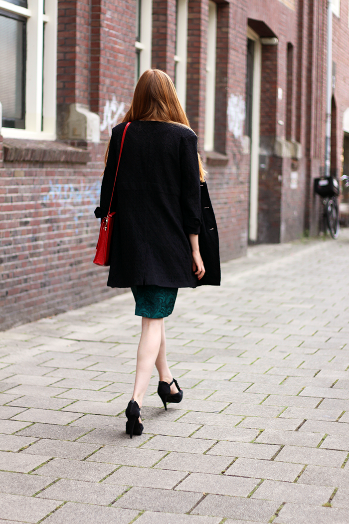 Budget proof summer outfit with a vintage skirt, lace coat and pops of red