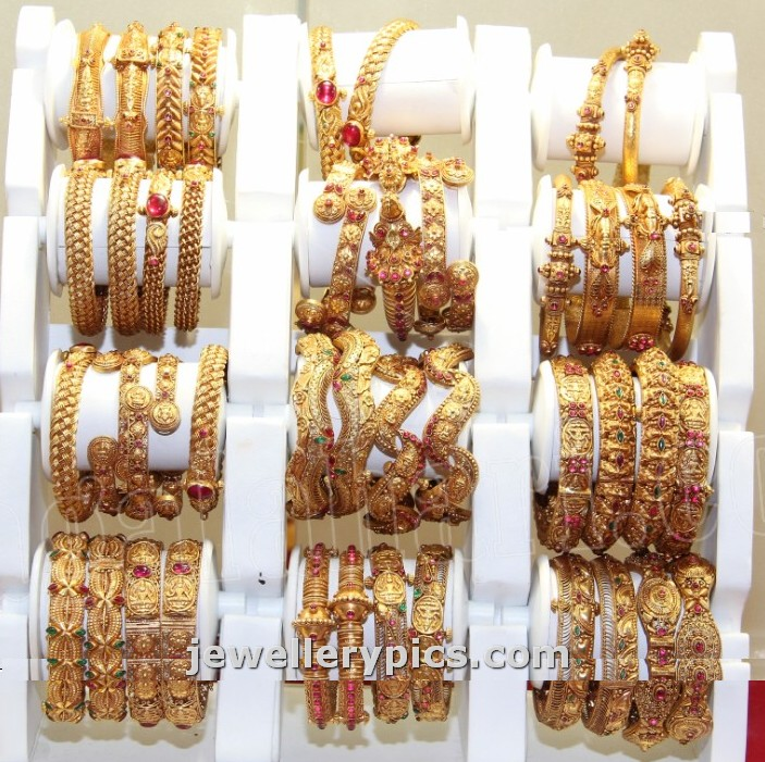 Antique gold Bangle models at hyderabad jewellery expo - Latest ...